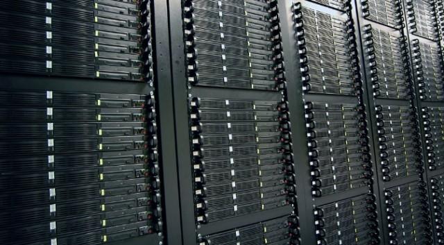 طراحی حافظه SSD شرکت اینتل با شکل خط کش