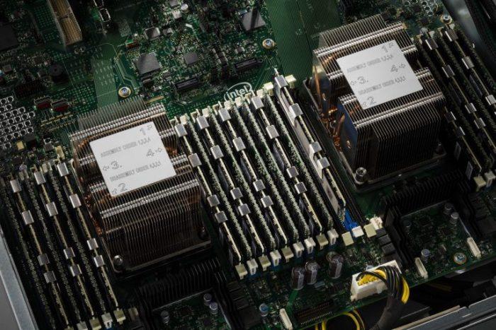 INTEL NVME U2 DC-P4510 1TB SSDPE2KX010T801 اس اس دی اینتل